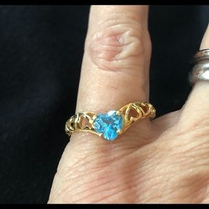 10k Yellow gold ring with blue heart stone